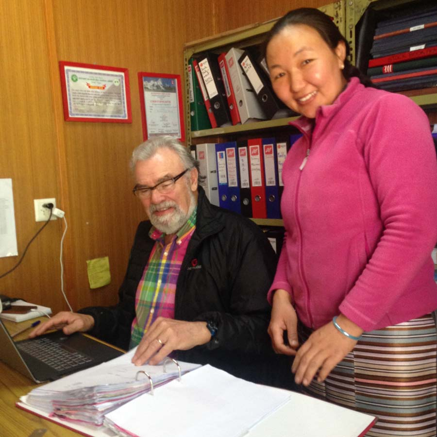 Passant Lhamu et Roland Tornare
